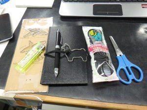 D-Clips L PERUで測量野帳用ブックバンド 材料